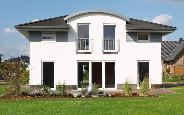 einfamilienhaus bungalow stadtvilla friesenhaus flachdachhaus im bauhaus stil mediterrane. Black Bedroom Furniture Sets. Home Design Ideas